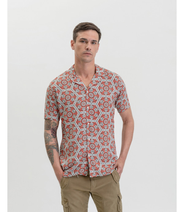 Geometric patterned Hawaiian shirt