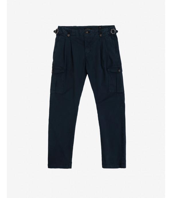 More about Pantalone cargo con pinces