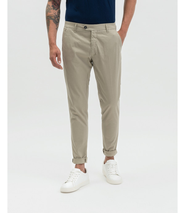 5 pocket trousers in relief fabric