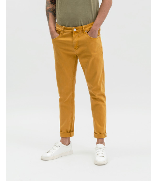 Trousers with rips in orange