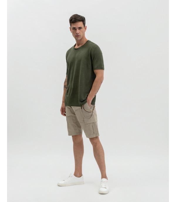 Shorts cargo con laccio e accessorio