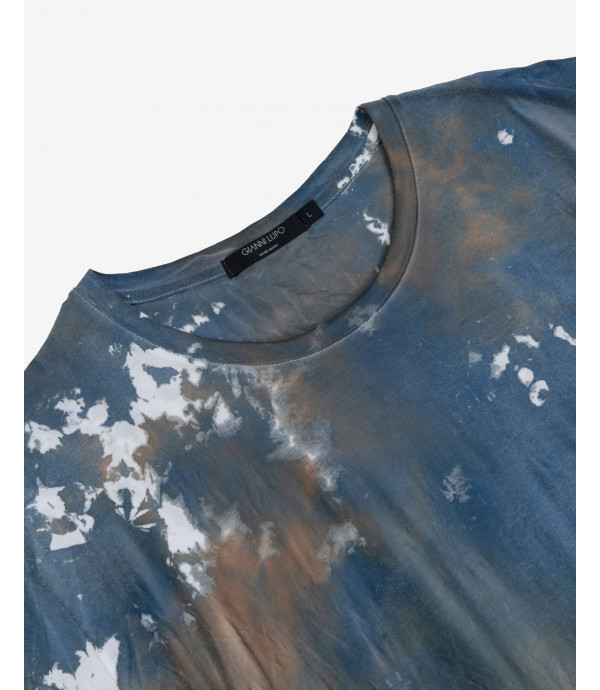T-shirt in tie dye