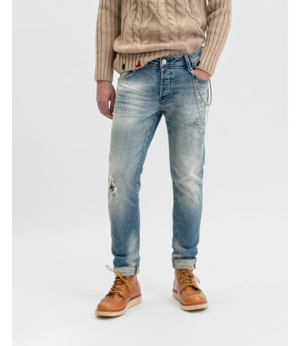 Kevin skinny jeans light wash with scratches and decolouration