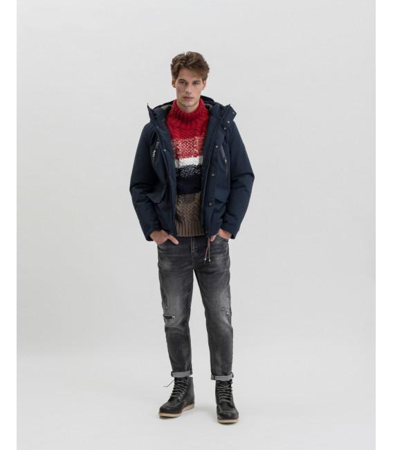 Turtlneck sweater with horizontal intarsia