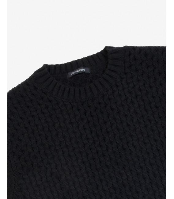 Wool blend knitted sweatwer in black