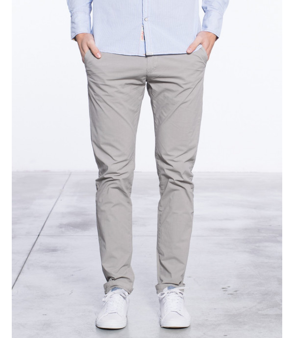 Chinos slim fit basico