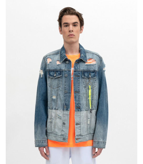 Two washed Denim jacket with accessory