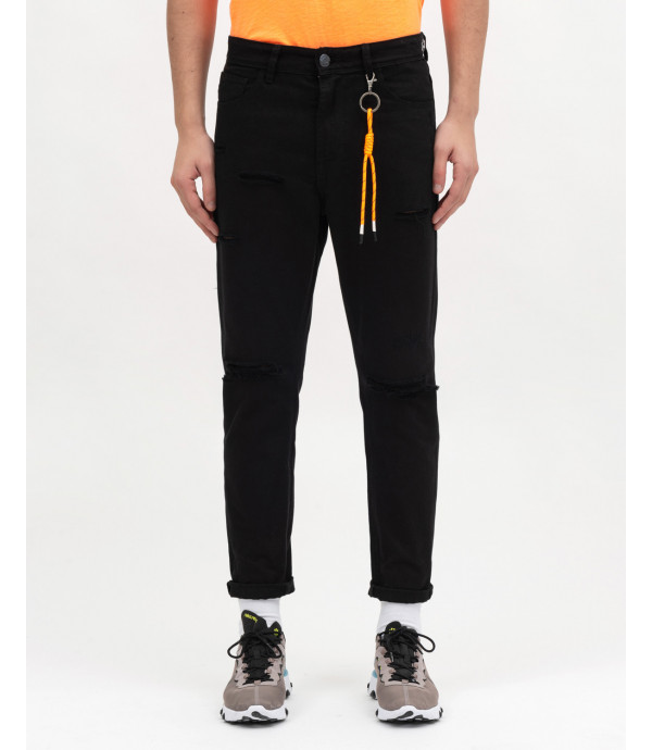 Ripped Skinny fit jenas with accessory