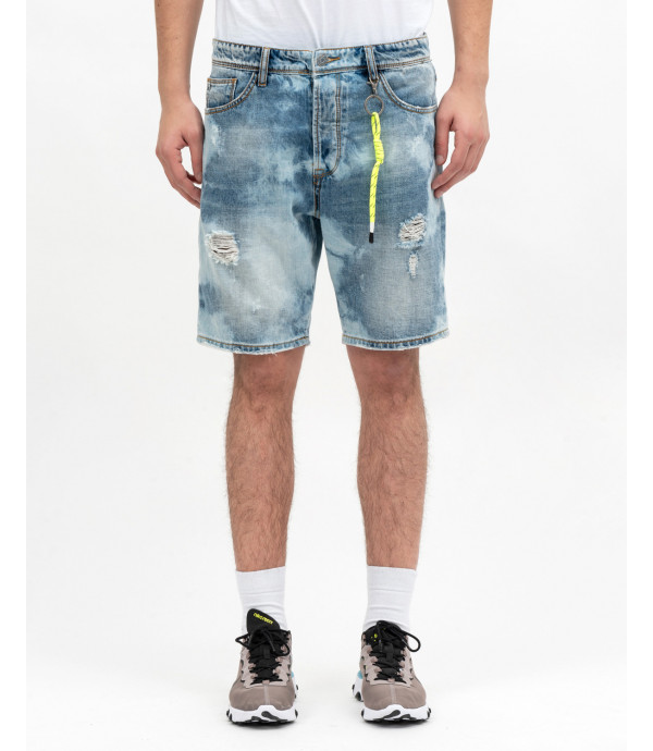 Bleached denim shorts with accessory