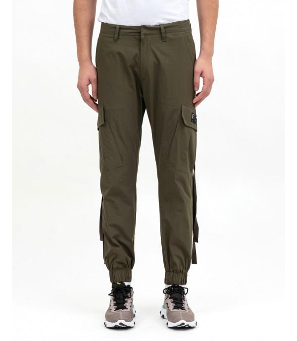 Pants with poket