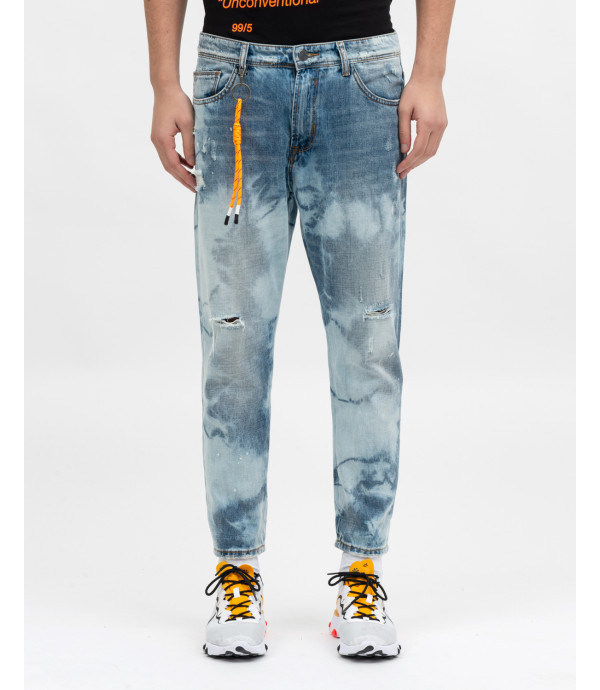Bleached carrot fit jeans with accessory OUTCOME