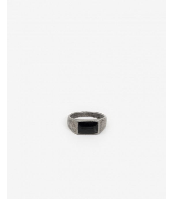 Ring with black squared rock