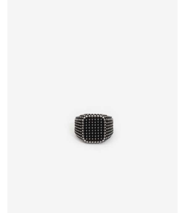 Squared spike ring