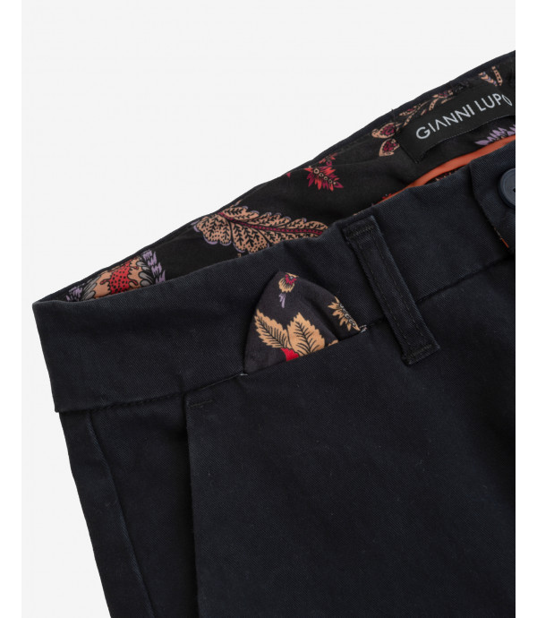 Solid colour carrot fit chinos