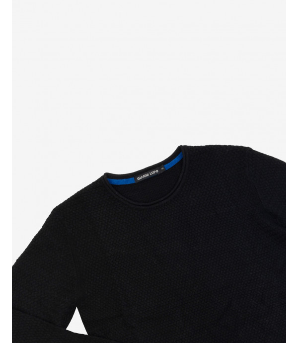 Basic crewneck jumper with curled edges